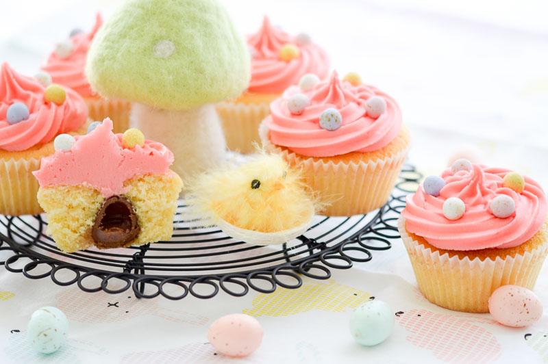 eastervanillasurprisecupcakes5