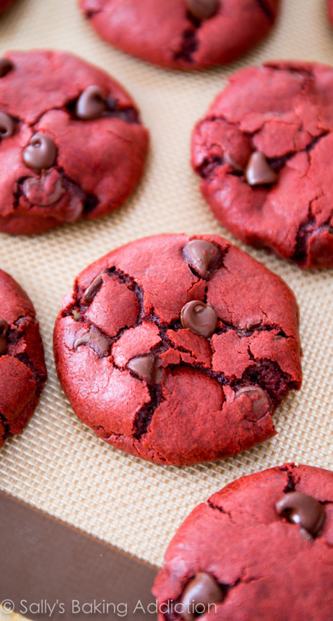 Red-Velvet-Chocolate-Chip-Cookie-Recipe